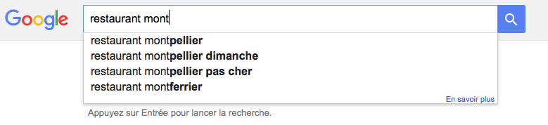 L'outil d'auto complétion de Google permet de bien choisir vos mots clés